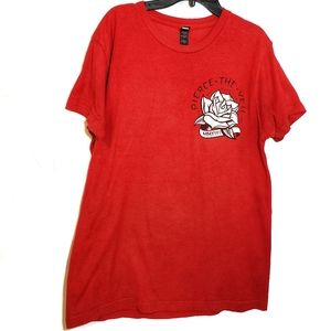 Red Pierce the Veil Band Graphic Tshirt size M